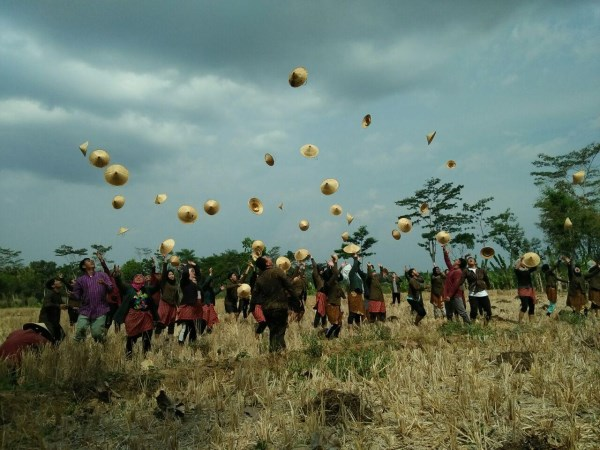 Paket Outbound Amazing Race  Di Borobudur Dengan Budaya Tradisional